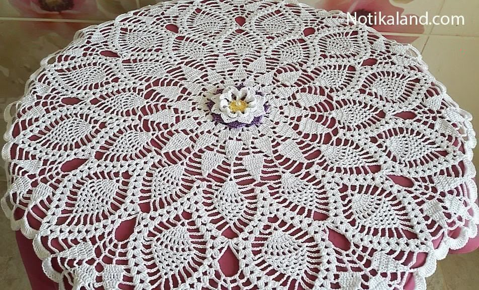 Crochet lace pineapple doily